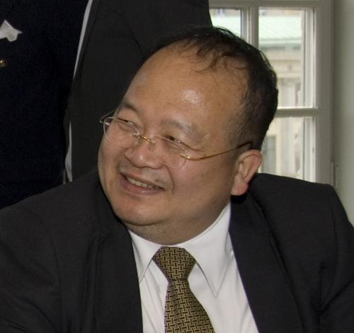Dr. Robert Lai